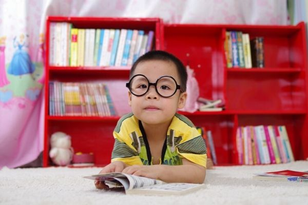 How To Encourage Kids Reading To Beat The Summer Slide
