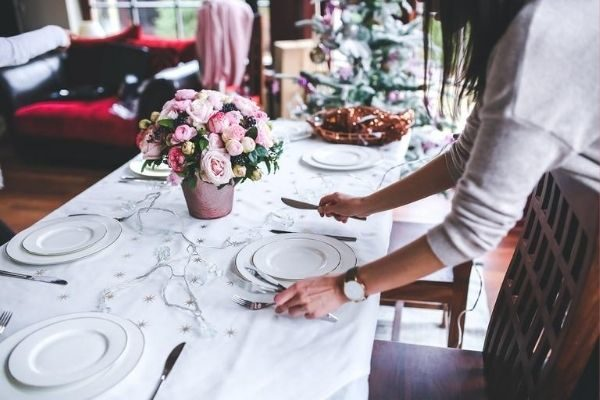 tips to avoid holiday stress, consider your schedule