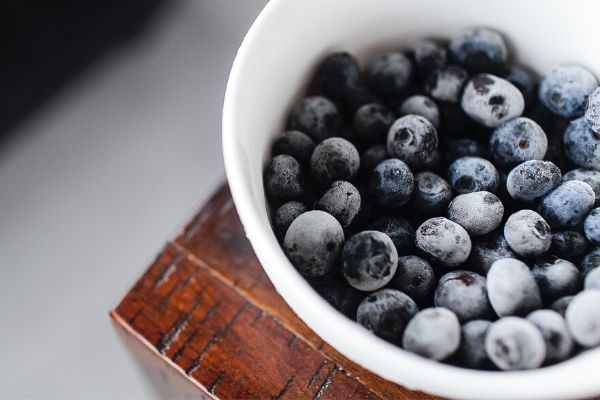 frozen blueberries are a cheap healthy food
