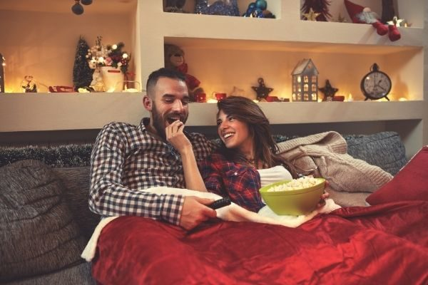 Christmas traditions for couples: watch movies